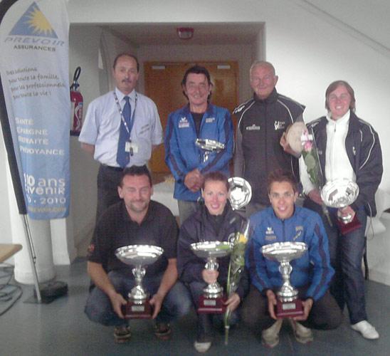 Finalistes du départemental de pétanque triplette mixte à Questembert