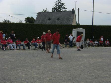 Des spectateurs pour la partie des vannetais Le Gal et Glevarec
