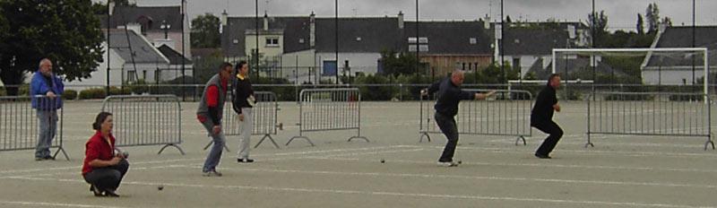 championnat de pétanque en doublette mixte à Vannes