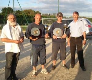 Les champions petanqueurs carnacois en doublette