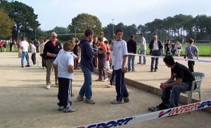 Terrains de pétanque tracés pour les parties de CDC de jeunes à Luscanen