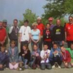 Jeunes sur le terrain du Pétanque club de Larmor Plage
