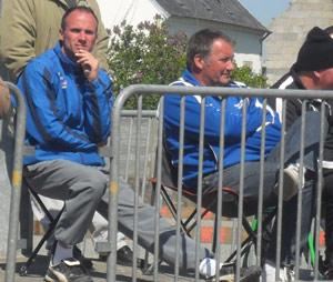 Damien Thebault et Yannick Briens en supporters de Sérent