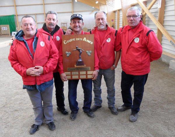Vainqieurs de la coupe des vétérans du Morbihan pétanque 2012