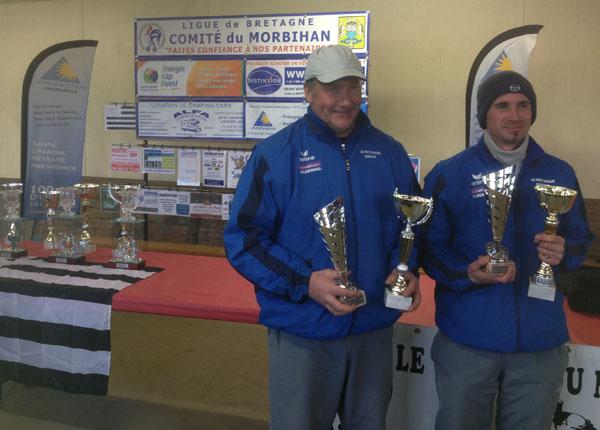 Les vice-champions Yannick Briens et Damien Thébault