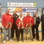 Les champions promotion de pétanque avec les officiels du comité