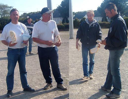 André Guérin, Etienne Certain, Gilles Le Guernevé et Franck Thery, où les différentes façons de porter la coupe.