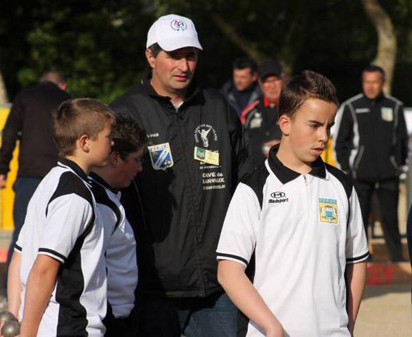 Les deux Maxence et Emmanuel avec Olivier Mesmin au ligue petanque
