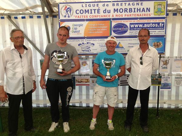 Finalistes du B sur le terrain de petanque Ar Menez