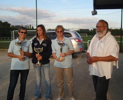 Championnes de petanque et maire de Queven