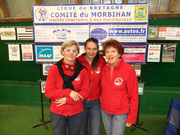 triplette feminine du petanque club larmor plage
