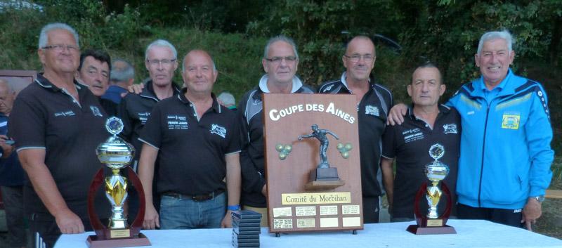 La formation vétéran du Pétanque Club Ploerinois avec Félix Philippe