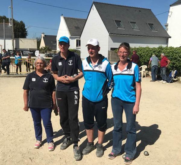 finalistes du championnat du Morbihan de petanque doublette mixte à Quiberon en 2017