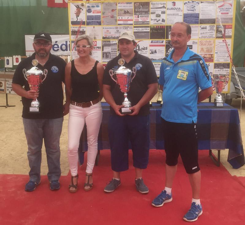 Les vainqueurs 2017 du régional de pétanque du CD56