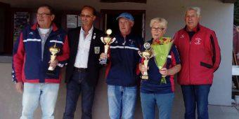 champions triplette mixte en vétéran en 2017 pour asptt vannes pétanque