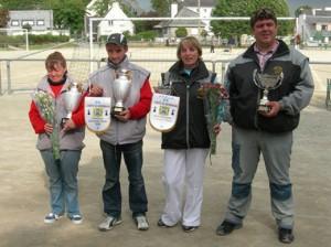 Champions de pétanque doublette mixte à Vannes Stéphant Michelle et Mickaël